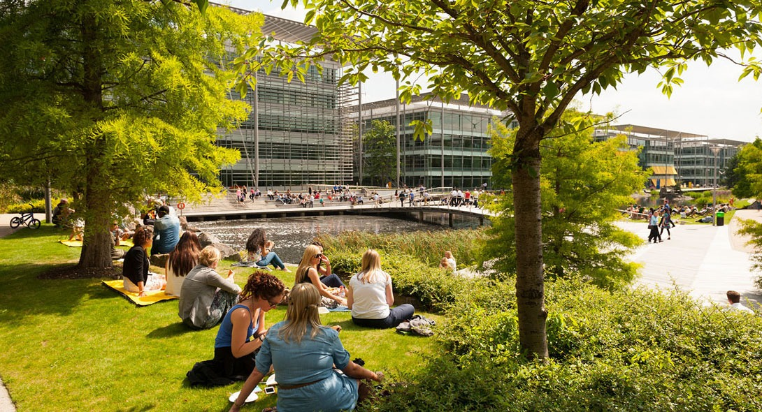 Chiswick park acquisition london w4 john robertson for W 4 bathrooms chiswick
